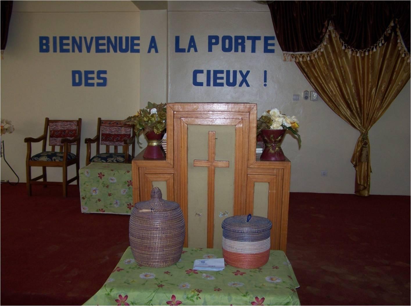 Estrade Eglise de Assemblée de Dieu de Béthel Dakar en 2009