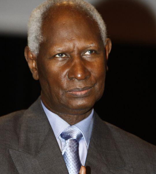 Le président Abdou DIOUF en 2008 par MEDEF Wikimedia Communs