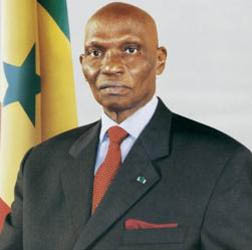 Président Abdoulaye WADE photo prise sur le site http://gingimbre.over-blog.fr/30-index.html
