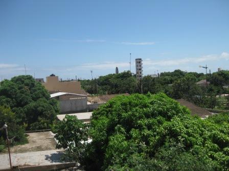Vue du quartier de Dieuppeul et de Liberté 4 : « Crédit photo : Etienne (Billy) TSHISHIMBI ».