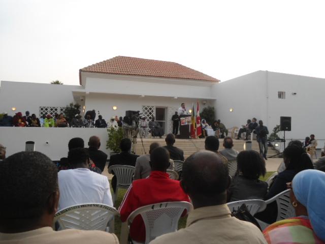 Récital poétique lors de la Quinzaine de la Francophonie Dakar 2012: « Crédit photo : Etienne (Billy) TSHISHIMBI ».