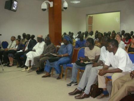 Auditoire lors de la journée du parrain à lUniversité Cheikh Anta Diop (UCAD) à Dakar