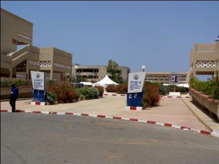 Université UCAD 2008 à Dakar  par Regnese Wikimedia (Communs)