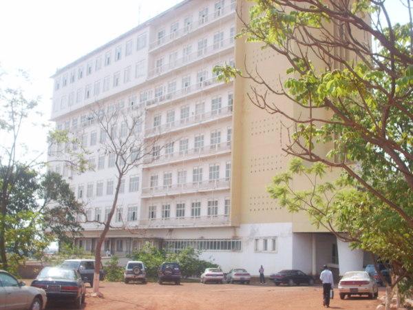 Université de Lubumbashi photo prise sur le site www.cabinetunilu.blogspace.fr