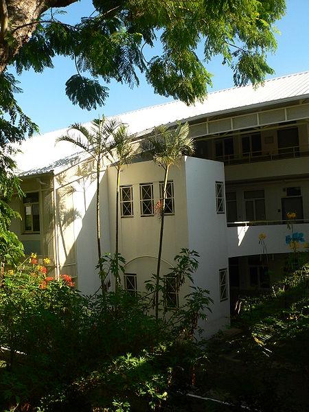 Université de la Réunion 2007 par David Monniaux Wikimedia (Communs)